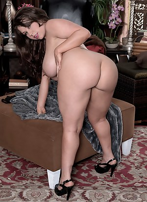 Big Ass and Tits Porn Pictures